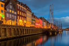 Een de 17de eeuwwaterkant Nyhavn in Kopenhagen Stock Afbeeldingen