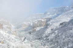 Een de winterpanorama van Geghard-Klooster Royalty-vrije Stock Fotografie
