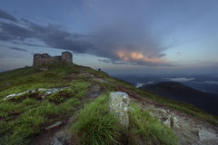 Een de Zomeravond dichtbij Bergenkasteel Stock Afbeelding