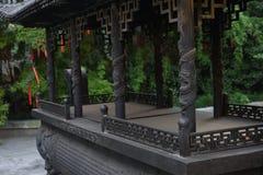 Een decoratief en roestig wierookvat die zijn geschiedenis tonen Stock Afbeelding