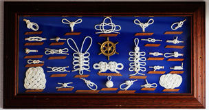 Een decoratieve inzameling van mariene knopen Stock Fotografie