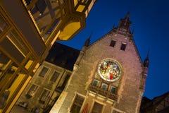 Een deel van cityhall in Quedlinburg bij nacht, Duitsland stock fotografie