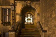Een deel van cityhall in Quedlinburg bij nacht, Duitsland royalty-vrije stock foto