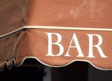 Een deel van de bar van de de zomerkoffie met de inschrijvingsclose-up Stock Foto