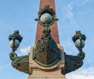 Een deel van de decoratie van de Rostral kolom van Troitskiy & x28; Trinity& x29; brug Royalty-vrije Stock Fotografie