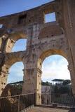 Een deel van de muur van Coliseum in Rome royalty-vrije stock afbeeldingen