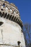 Een deel van de muur van een oud kasteel Royalty-vrije Stock Afbeeldingen
