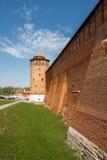 Een deel van de muur van Kolomna het Kremlin (de externe kant) Stock Fotografie
