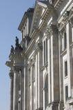 Een deel van de voorzijde van Duitse Reichstag in Berlijn Royalty-vrije Stock Foto's