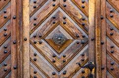Een deel van een houten deur verschillende types van hout Royalty-vrije Stock Afbeeldingen