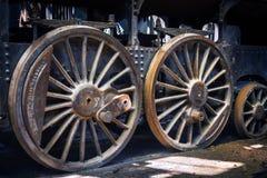 Een deel van een oude industriële trein stock afbeeldingen