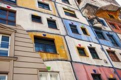 Een deel van het Hundertwasser-Huis in Wenen stock fotografie
