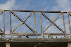 Een deel van een houten voetgangersbrug royalty-vrije stock foto