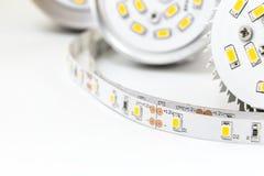Een deel van LEIDENE lampen en strook met 3 spaandersmd modules Stock Afbeelding