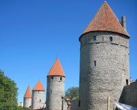 Een deel van middeleeuwse watchtowers van Tallinn Stock Afbeelding