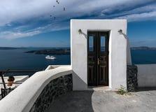 Een deur aan nergens Santorini Griekenland royalty-vrije stock fotografie