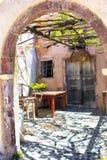 Een deuropening in Santorini Stock Fotografie