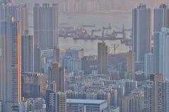 een Dichte hoge stijgingsflats in Kowloon, Hongkong Stock Afbeelding