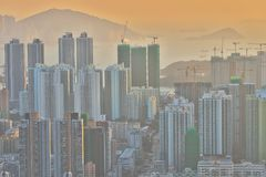 een Dichte hoge stijgingsflats in Kowloon, Hongkong Stock Fotografie