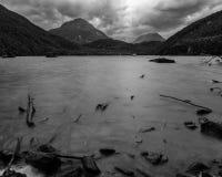 Een dode ochtend bij het meer stock fotografie