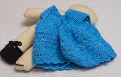 Een doekpop, maakt de kleding van wol Stock Foto