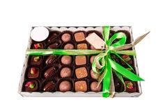 Een doos van snoepjes bond met lint Royalty-vrije Stock Afbeelding