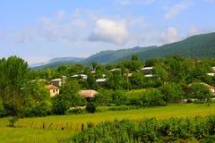 Een dorp in het gebied van zeismailli van Azerbeidzjan de lente Royalty-vrije Stock Foto