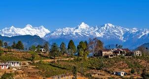 Een dorp in Himalayagebergte stock foto