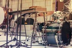 Een drumstel, een muzikaal instrument Stock Fotografie