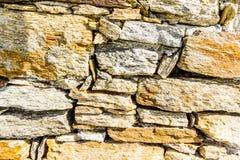 Een drystonemuur in het Zuiden van Frankrijk Stock Afbeelding