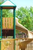 Een dubbele dekdia in een park Stock Fotografie