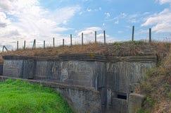 Een Duitse bunker van wereldoorlog één de gebieden van België Vlaanderen Stock Afbeelding