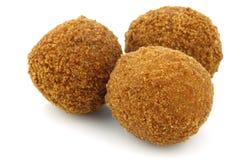Een echte traditionele Nederlandse snack riep bitterbal royalty-vrije stock fotografie
