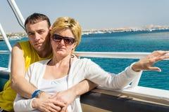 Een echtpaar maakt reis Stock Afbeeldingen