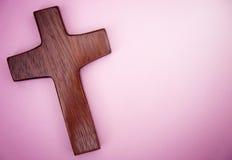 Een Eenvoudig Houten Kruis Stock Foto's