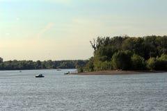Een eiland op de rivier Stock Afbeelding