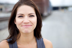 Een emotioneel Meisje dat de scheuren weerstand biedt Stock Afbeelding