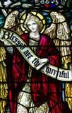 Een engel in gebrandschilderd glas Stock Foto's