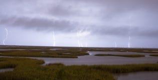 Een Epische Onweersbui veroorzaakt Bliksemstakingen die Galveston raken Stock Afbeeldingen
