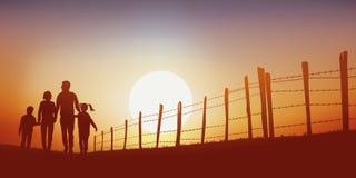 Een familie loopt op een steeg van het land bij zonsondergang bij zonsondergang royalty-vrije illustratie
