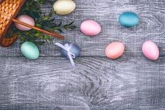 Een feestelijke Pasen-samenstelling Mening van hierboven concept de lente en het feest van de Pascha Royalty-vrije Stock Fotografie
