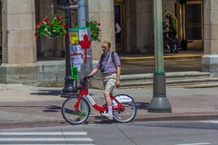 Een fietser in Ottawa Stock Afbeelding