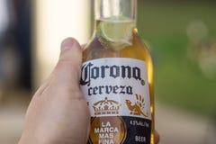 Een fles Corona Royalty-vrije Stock Foto's