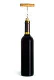 Een fles rode wijn open met een kurketrekker Stock Afbeeldingen