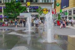 Een fontein binnen de stad in Stock Foto's