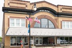 Een foto van een typische kleine stadshoofdstraat in de Verenigde Staten van Amerika Royalty-vrije Stock Fotografie