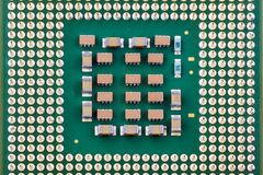 Een fragment van de centrale verwerkingseenheid s of het close-up van de microchipcomputer stock foto's