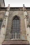 Een fragment van de Zwarte die Kerk, in de Gotische die stijl wordt gebouwd en na de donkere kleur wordt genoemd ging na de brand Stock Foto