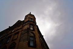 Een gebouw in een stad centere Royalty-vrije Stock Foto's