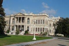 Een gebouw van Dolmabahce-paleis, Istanboel, Turkije Royalty-vrije Stock Fotografie